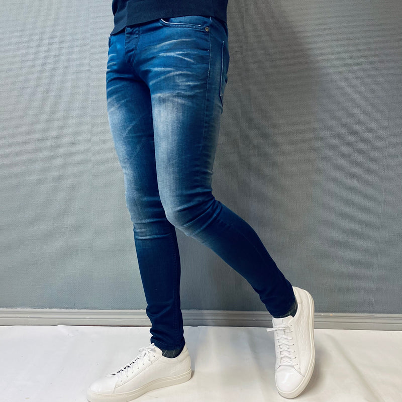 !Solid Slim Distressed Blue Jean