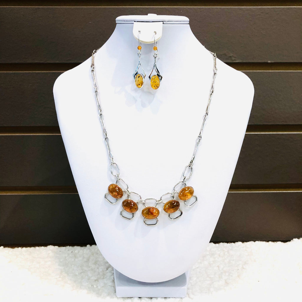 Handmade Chain Necklace in Silver with Baltic Amber