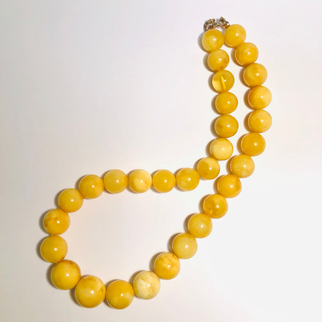 Butter Amber Ball Necklace
