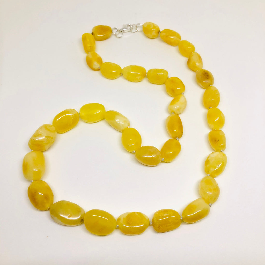 Butter Amber Oval Beads Necklace