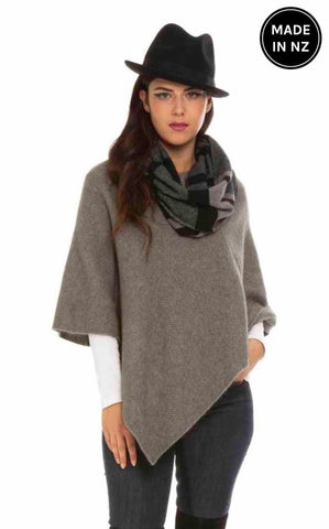 Moss Stitch Poncho Womens