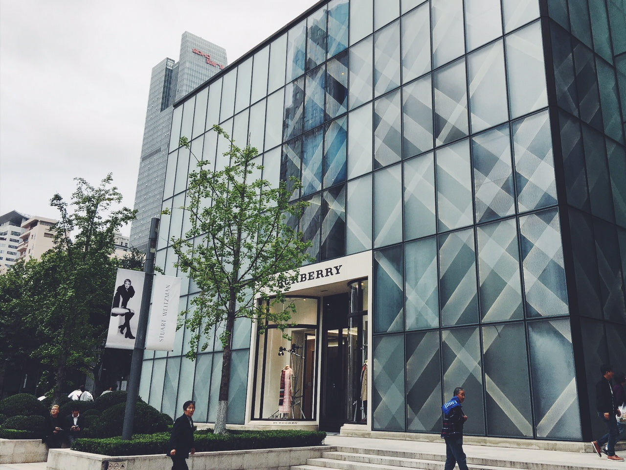 Burberry With The Largest Interactive Display In The World