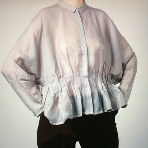 TNS-718 Wide light pleated blouse