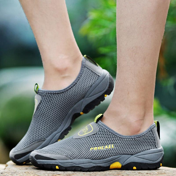 Men's Mesh Shoes Breathable Hollow Explosion Lazy Shoes