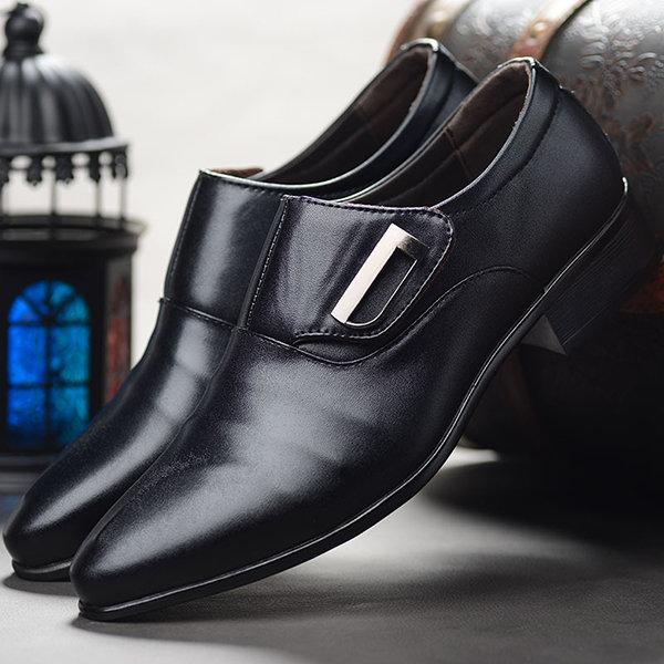 Men Large Size Pointed Toe Metal Buckle Business Casual Shoes