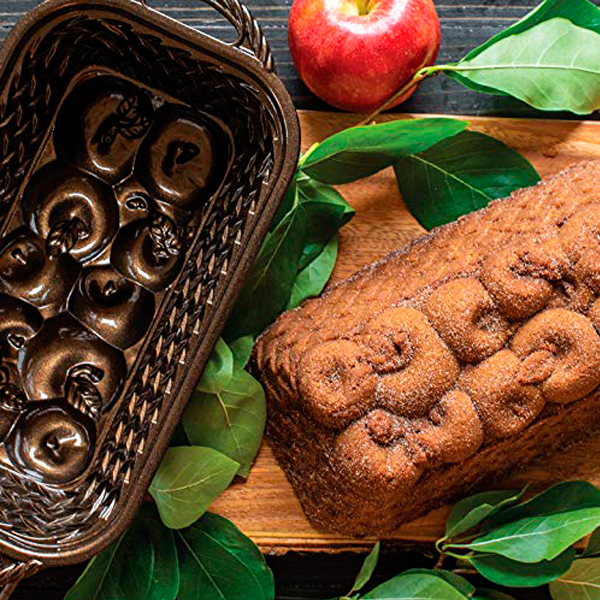 Molde Apple Basket Loaf Pan Nordic Ware - Claudia&Julia
