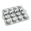 Holiday Teacakes Cakelet Pan Nordic Ware - Claudia&Julia