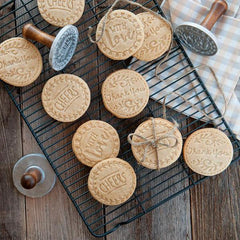 "Sellos para galletas ""Greetings Heirloom"" de Nordic Ware"