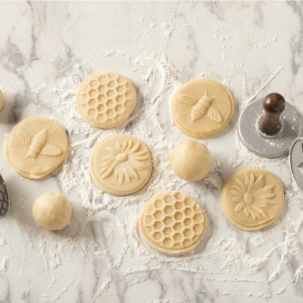 "Sellos para galletas ""Honey Bee"" de Nordic Ware - Claudia&Julia"