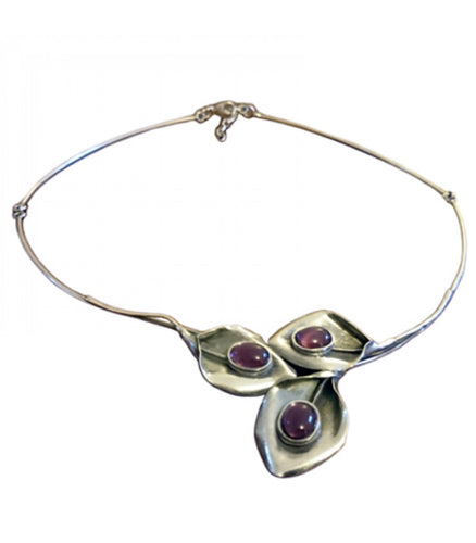 Triple Leaf Choker Necklace With Purple Stones