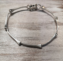 Load image into Gallery viewer, All about hoofnails bangle