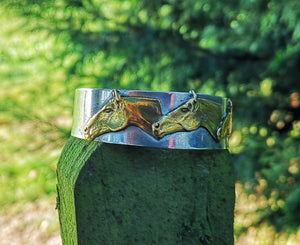Three horses heads bangle