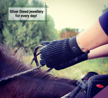 Load image into Gallery viewer, Silver Snaffle String Bracelet