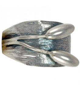 Two Oval Buds Underband Ring