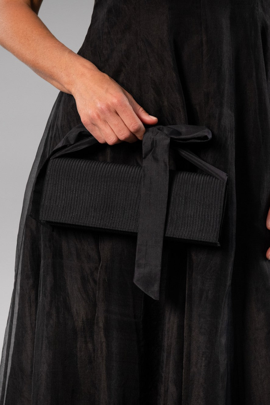 Clutch Pin Tuck - Black