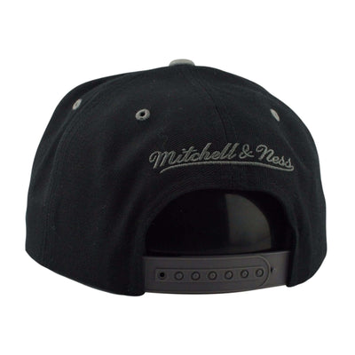Mitchell and Ness Chicago Bullls Acrylic Crown Infrared Black/Gray Snapback