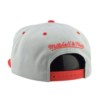 Mitchell and Ness Chicago Bulls 1991 Championship Gray/Red Snapback