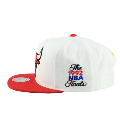Mitchell and Ness Chicago Bulls 1992 Finals White/Red Snapback