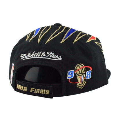 Mitchell and Ness Chicago Bulls Champions Black/Black Snapback