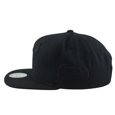 Mitchell and Ness Chicago Bulls Logo 1998 Finals Black/Black Snapback