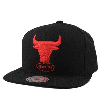 Mitchell and Ness Chicago Bulls Melton Proper Black/Black Snapback