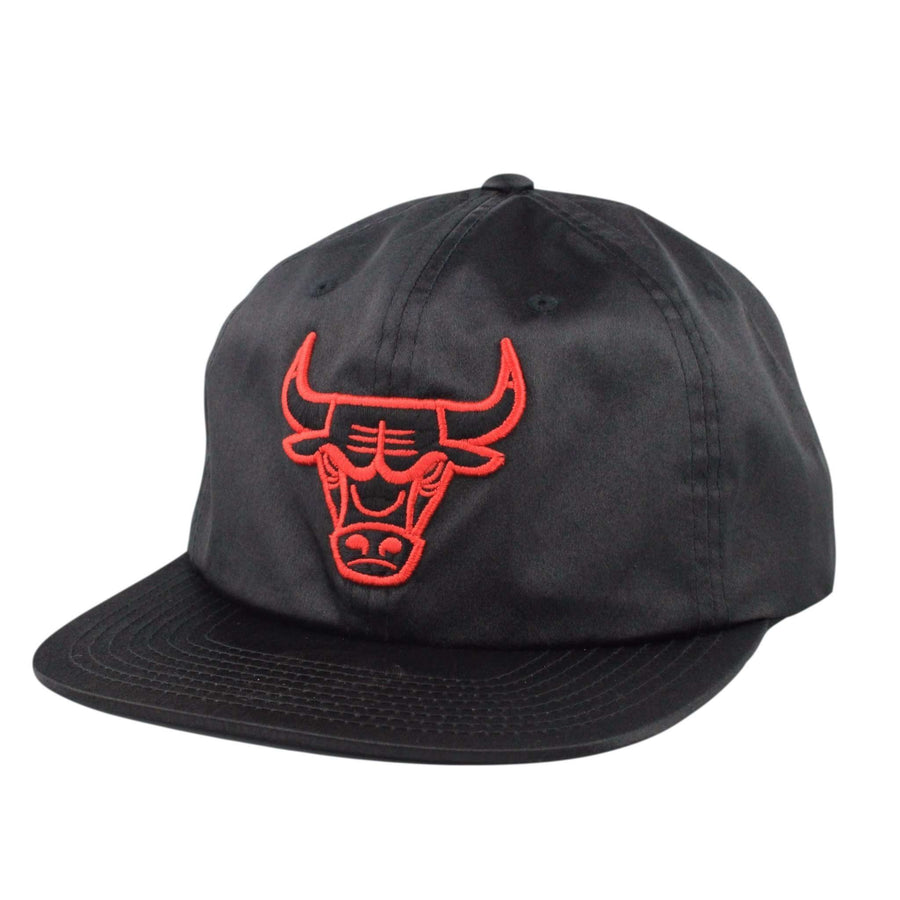 Mitchell and Ness Chicago Bulls Satin Black Black Snapback 182d79d8464