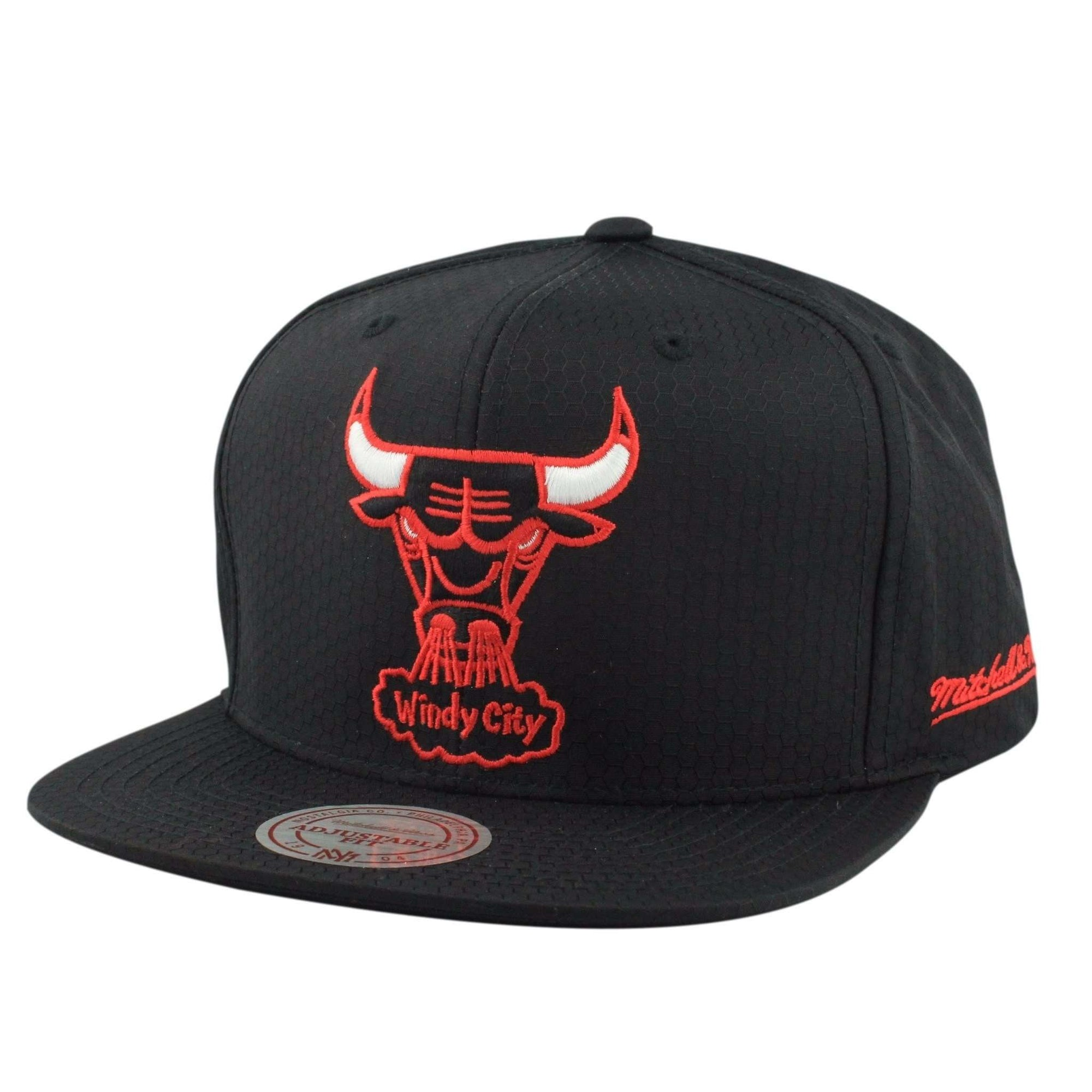 17b5c95f908 ... france mitchell and ness chicago bulls windy city black ripstop honey black  black snapback ea7a2 b124f
