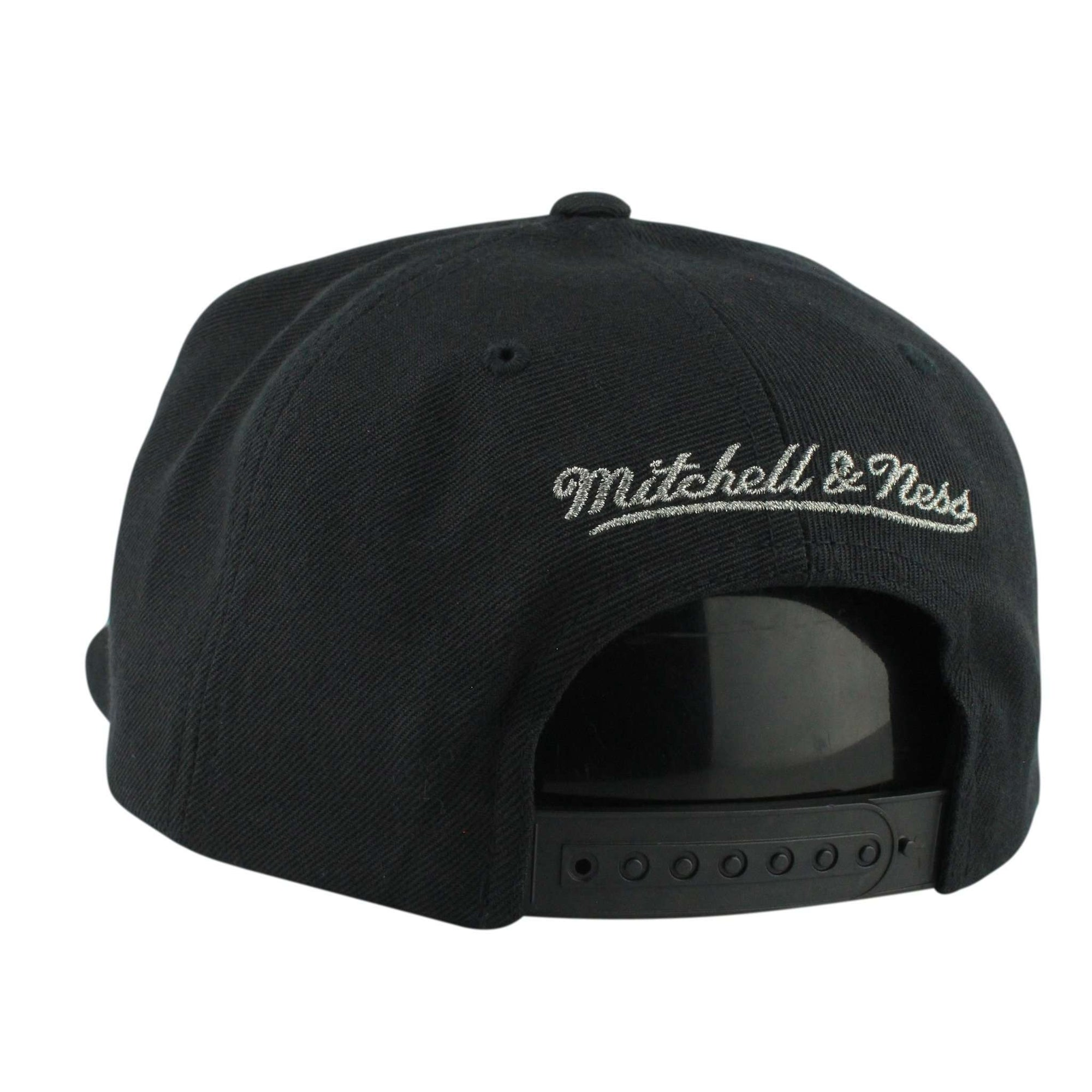 3c2e871a2d7 Mitchell and Ness Cleveland Cavaliers Cropped Metallic Black Black Snapback