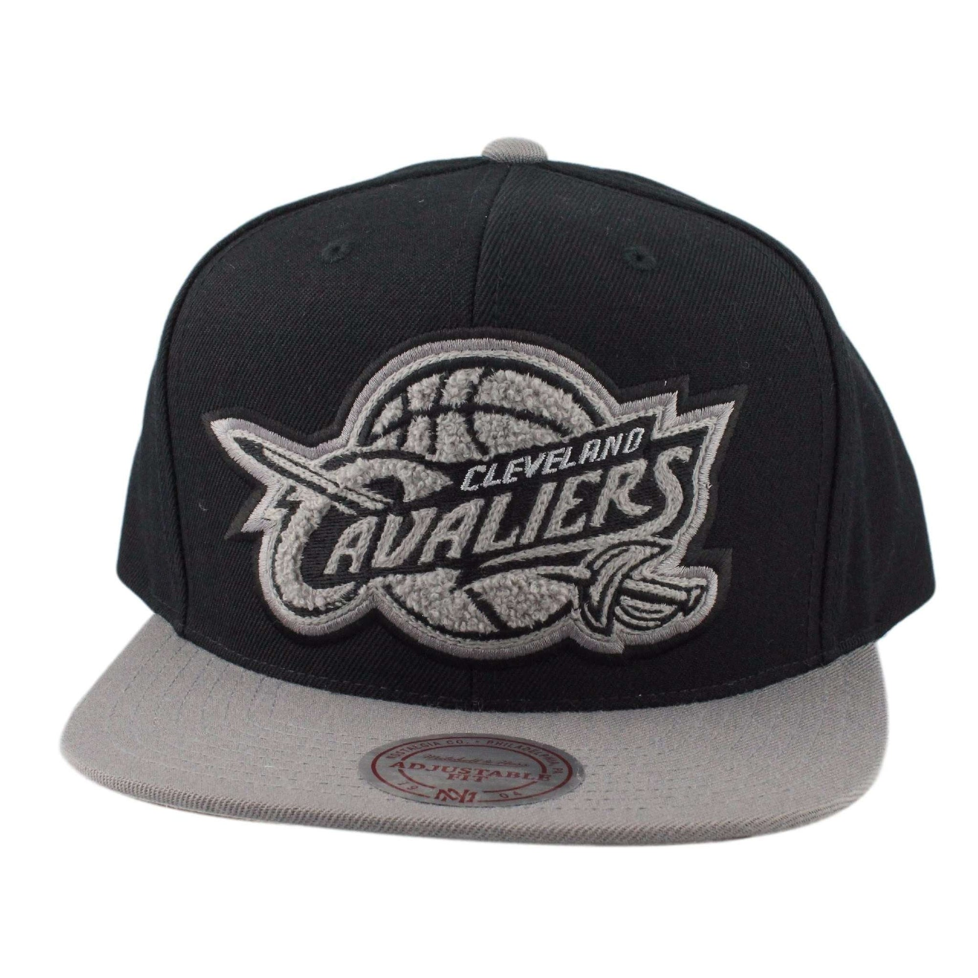 Mitchell and Ness Cleveland Cavaliers Gray Silver Black Gray Snapback c2f36c608290