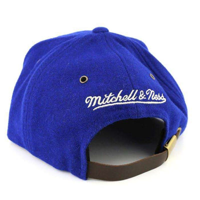 Mitchell and Ness New York Giants Logo Winter Suede Blue/Brown Strapback