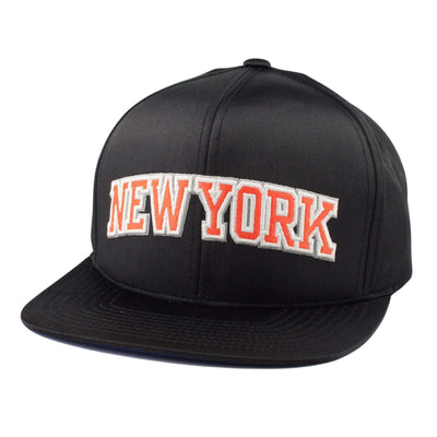 Mitchell and Ness New York Knicks Satin Crown Black/Black Snapback