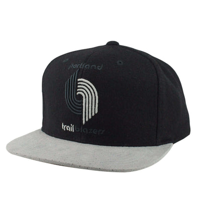 Mitchell and Ness Portland Trail Blazers HWC Winter Suede Perf. Black/Gray Strapback
