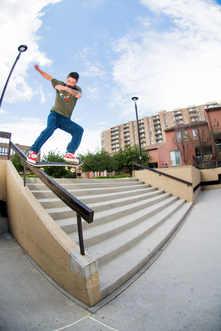 Rob Fall tailslide by Damion Sanchez