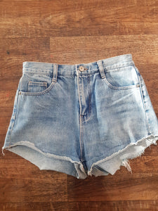 "Pre-loved Denim Shorts ""Zara #2"". Size Xsmall"