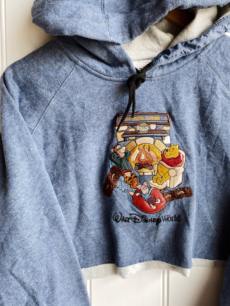 Preloved Cartoon - 100 Acre Lodge Cropped Sweatshirt - Large