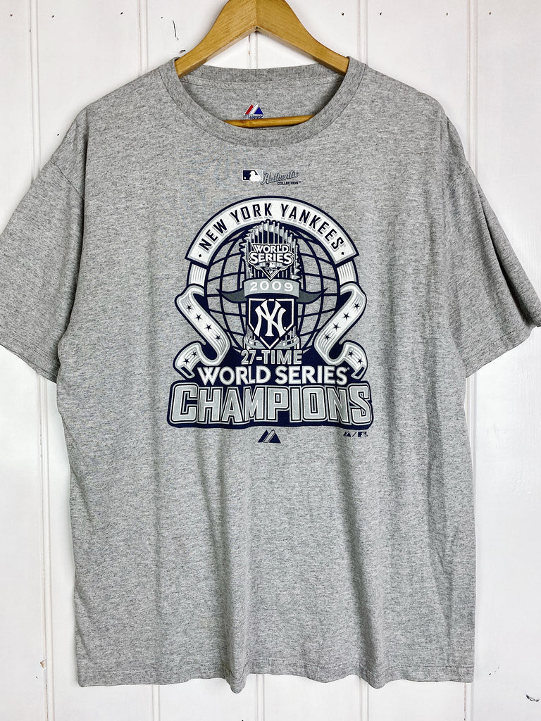Preloved Sports - 2009 Champion Yankees Grey Tee - Large