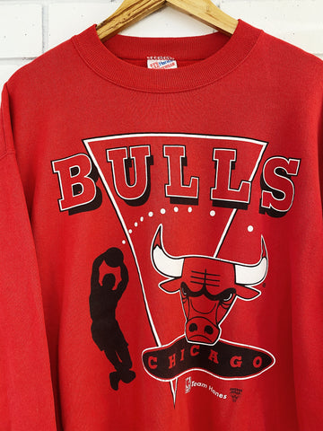 Vintage Sports - Chicago Bulls Hanes Red Sweatshirt - Large