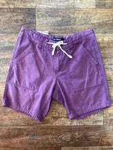Load image into Gallery viewer, Pre-loved Katun Shorts - Size 30