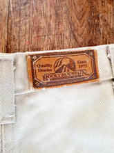 Load image into Gallery viewer, Deadstock Vintage Rocky Mountain Jeans - 23""