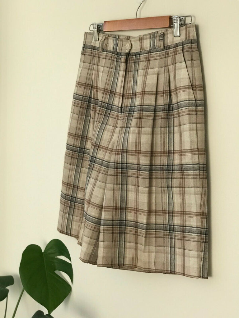 Vintage Linen Check Culottes // Plaid Shorts High Waisted 90s grunge