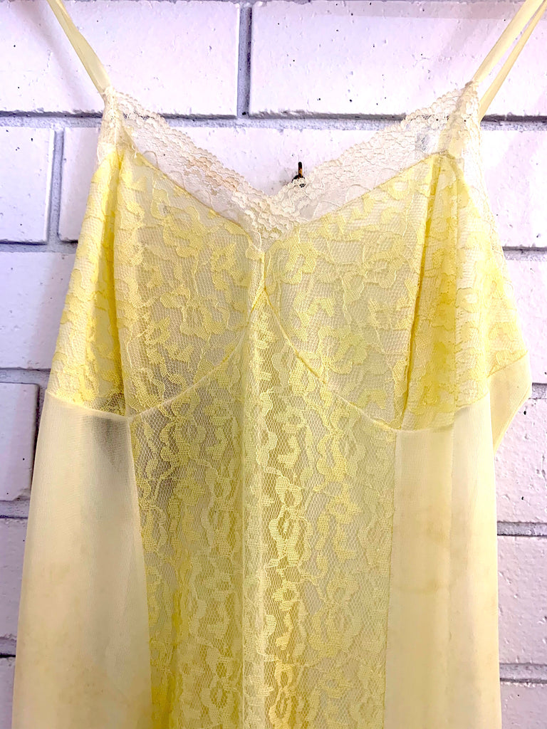 Vintage Nightie Size - Small