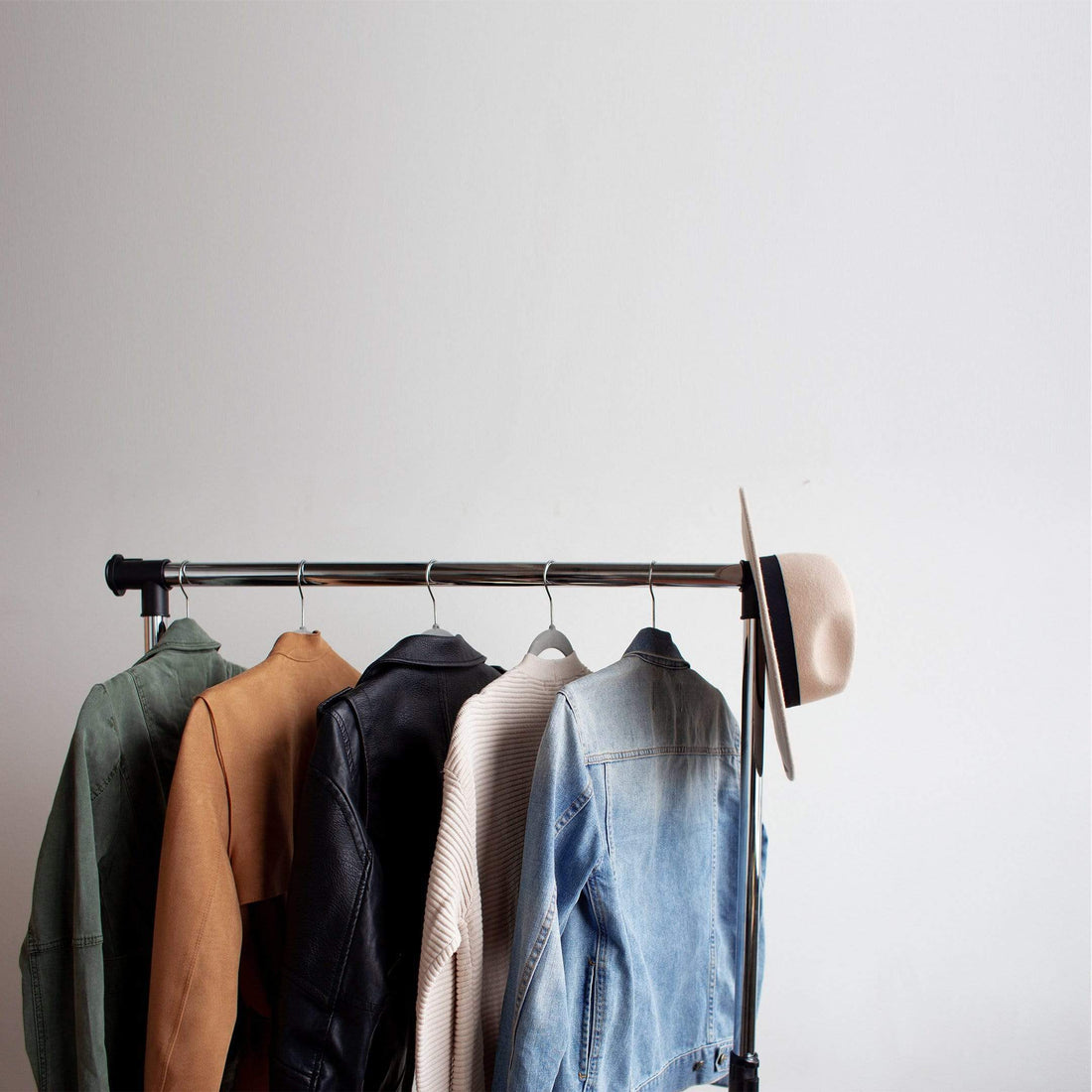 How to choose the right wardrobe for your bedroom