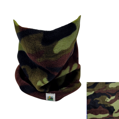 This chunky fleece neck gaiter is a shorter, looser style for cozy warmth.