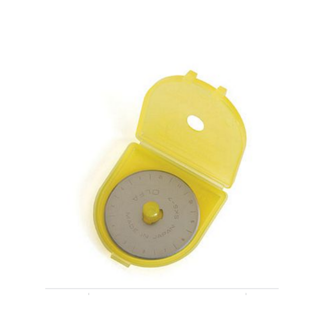 Easy replacement blade for OLFA 45mm Rotary Cutter.