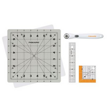 Load image into Gallery viewer, Great cutting mat and tool combo for small space or mini sewing projects.