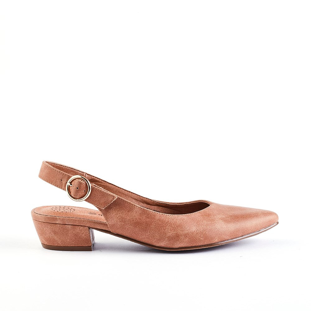 Queue Evolve Pointy Block Heel Sling Back - Camel
