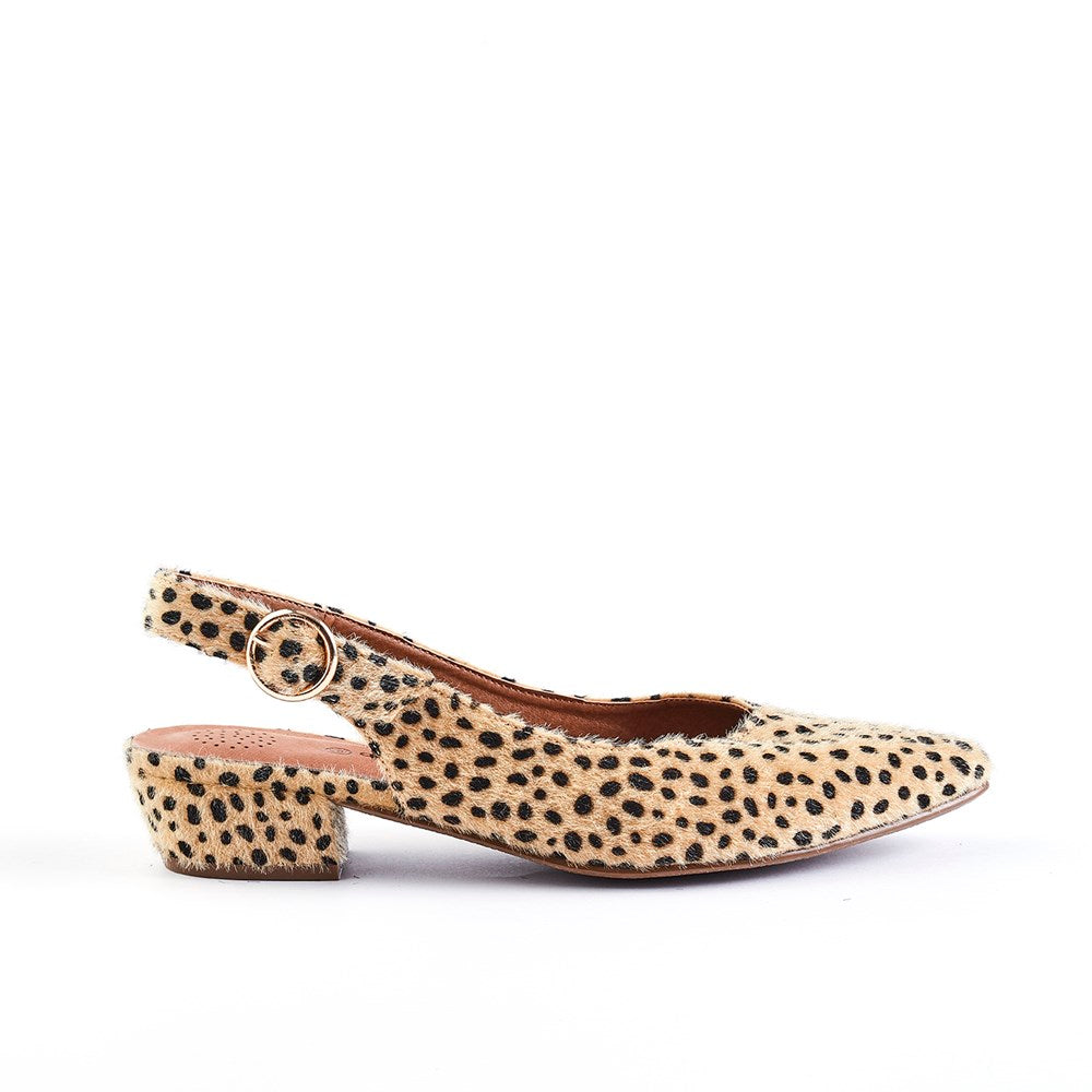 Queue Evolve Pointy Leopard Block Heel Sling Back - Camel Leopard