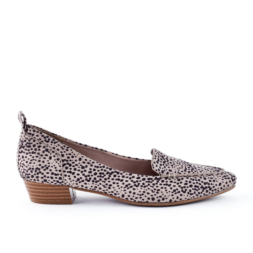 Queue Esteem Pointy Leopard Low Block Heel Shoe - Stone Leopard