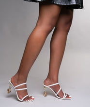 "Load image into Gallery viewer, STAMPEDE SHOETIQUE ""Taylor"" Heel"