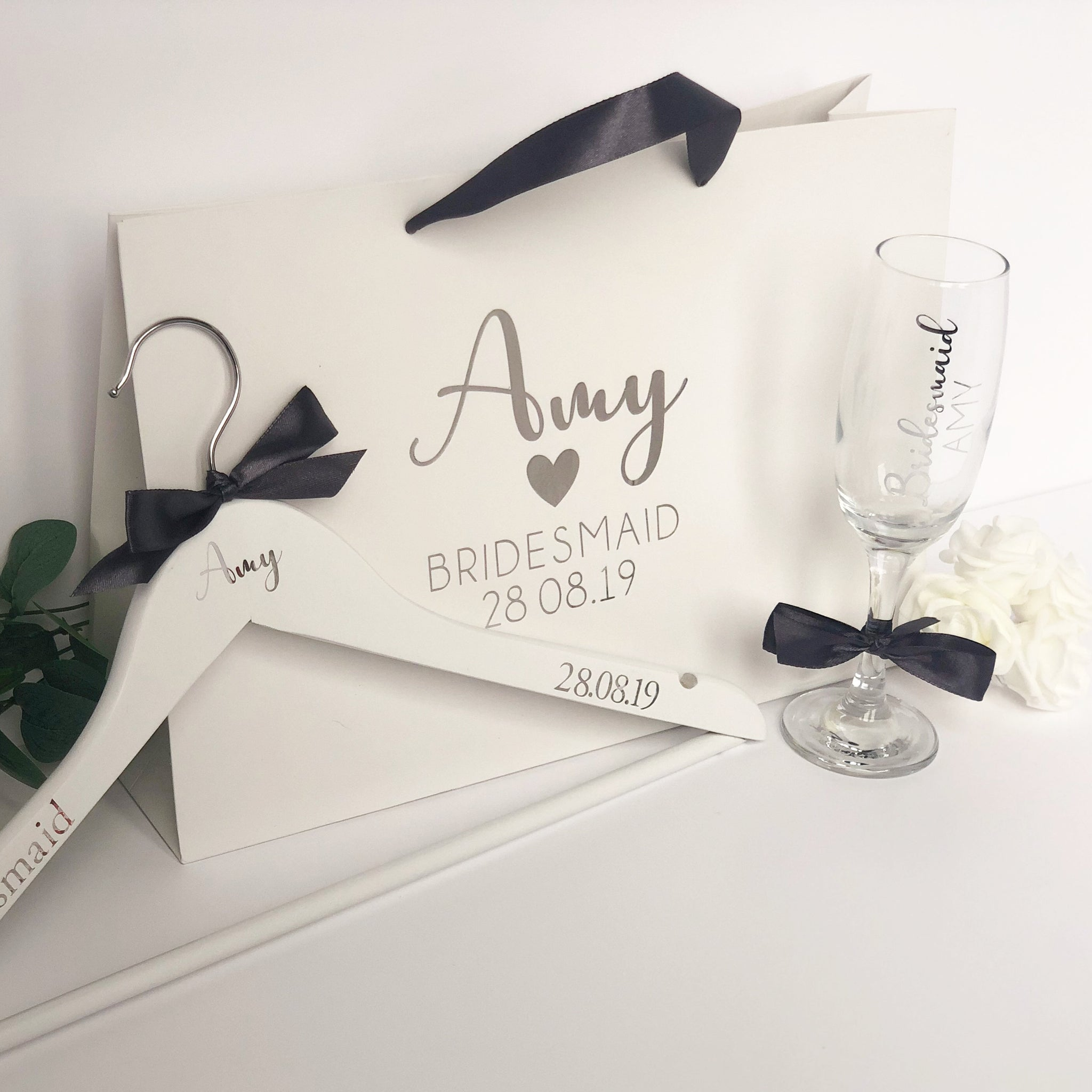 Bridesmaid Gift Set (can be bought separately) Glass, gift bag and Hanger.